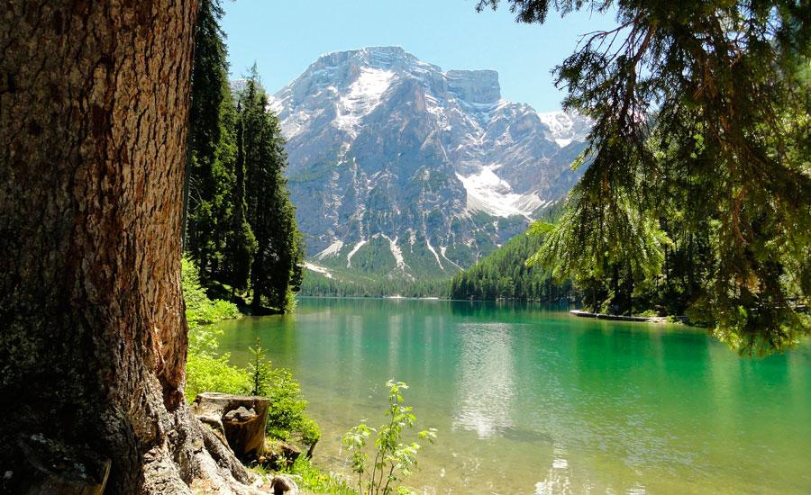 sacav-dolomiti-lake